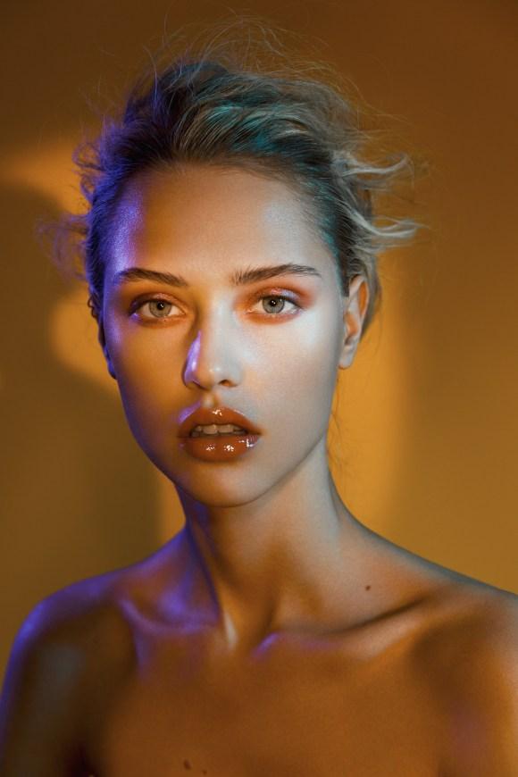 Claire Guena by Servan Ilyne