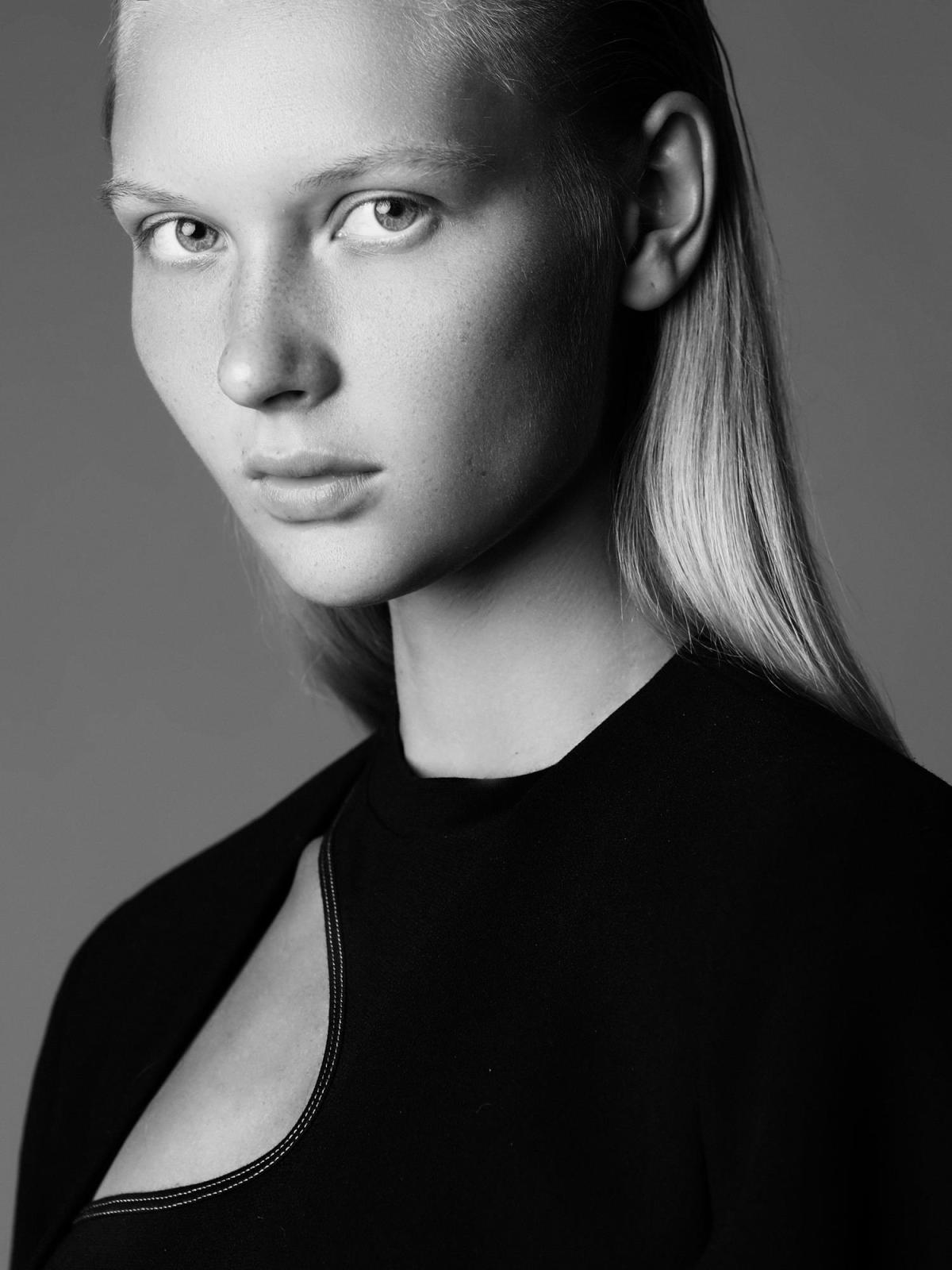 Yana Trufanova by William Lords
