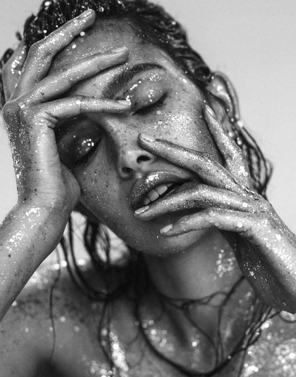 Zoe Barnard by Lina Tesch