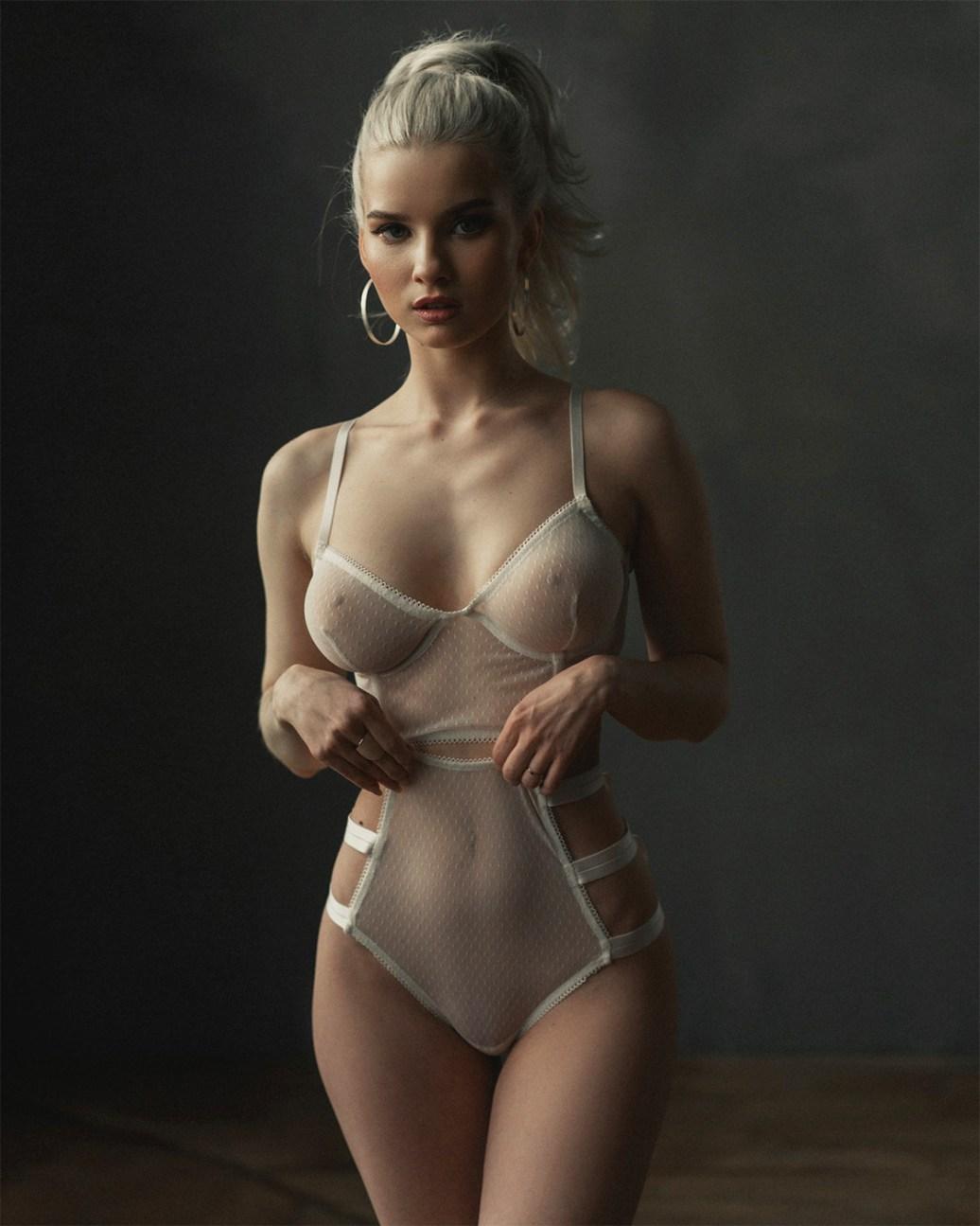 Katerina-Pluchevskaya-by-Stas-Shmel.jpg?