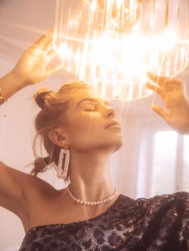 Xenia Adonts by Lina Tesch