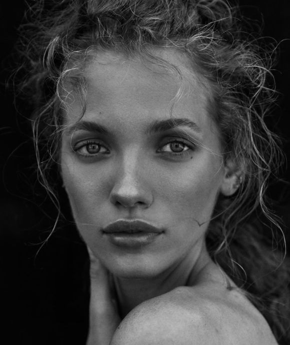 Tanya Kizko by Jeremy Choh