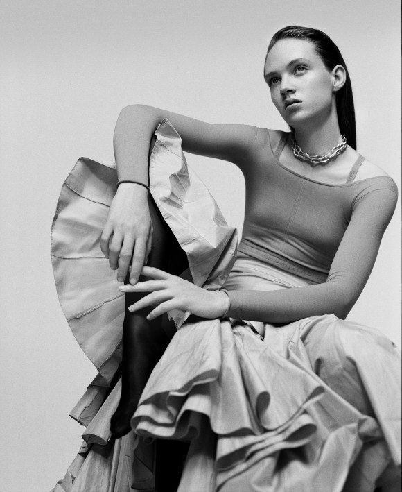 adrienne-jueliger-by-buzz-white-for-russh-magazine