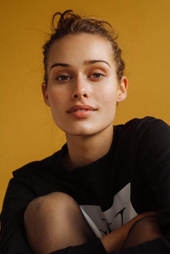 Alexandra Pekarkova by Asulprusia