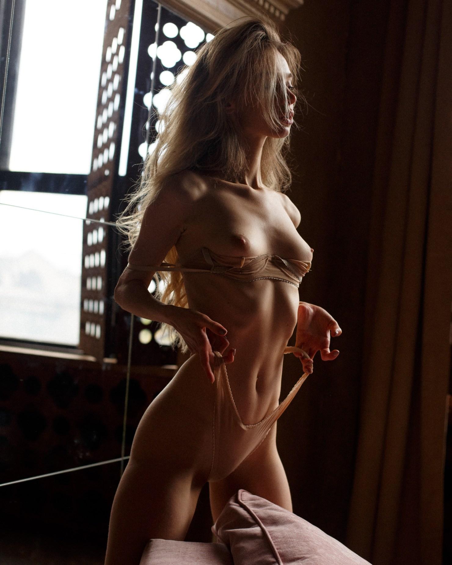Ana Walczak Nude anna tsaralunga - portraits of girls