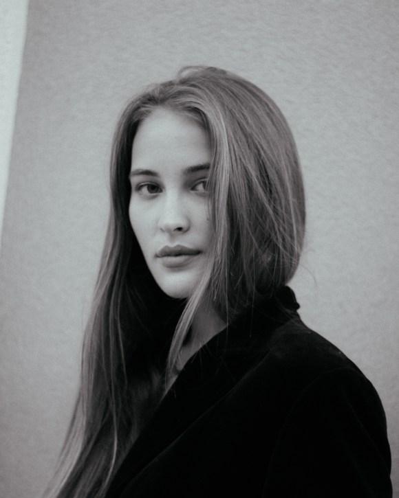 Eva Necheporenko by Andrey Ivanets