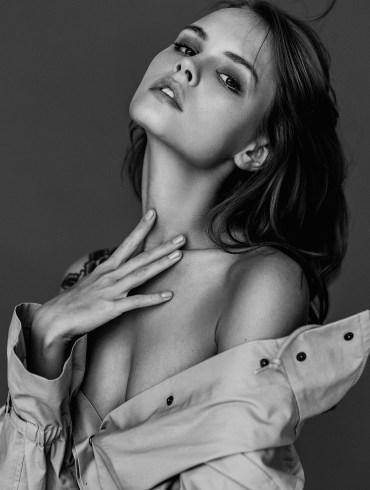 Anastasiya Scheglova by Darina Belonogova