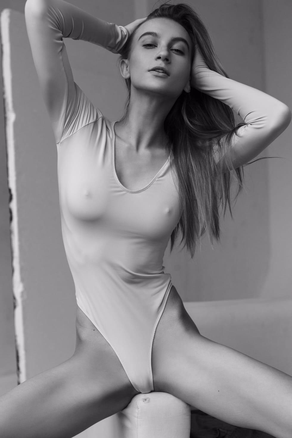 Ekaterina Ovchukhova by Yura Ionov