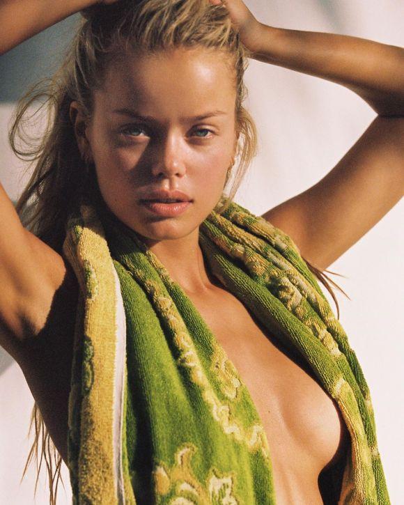 Frida Aasen by Cameron Hammond