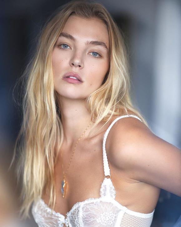 Rachel Hilbert by Victor Robertof