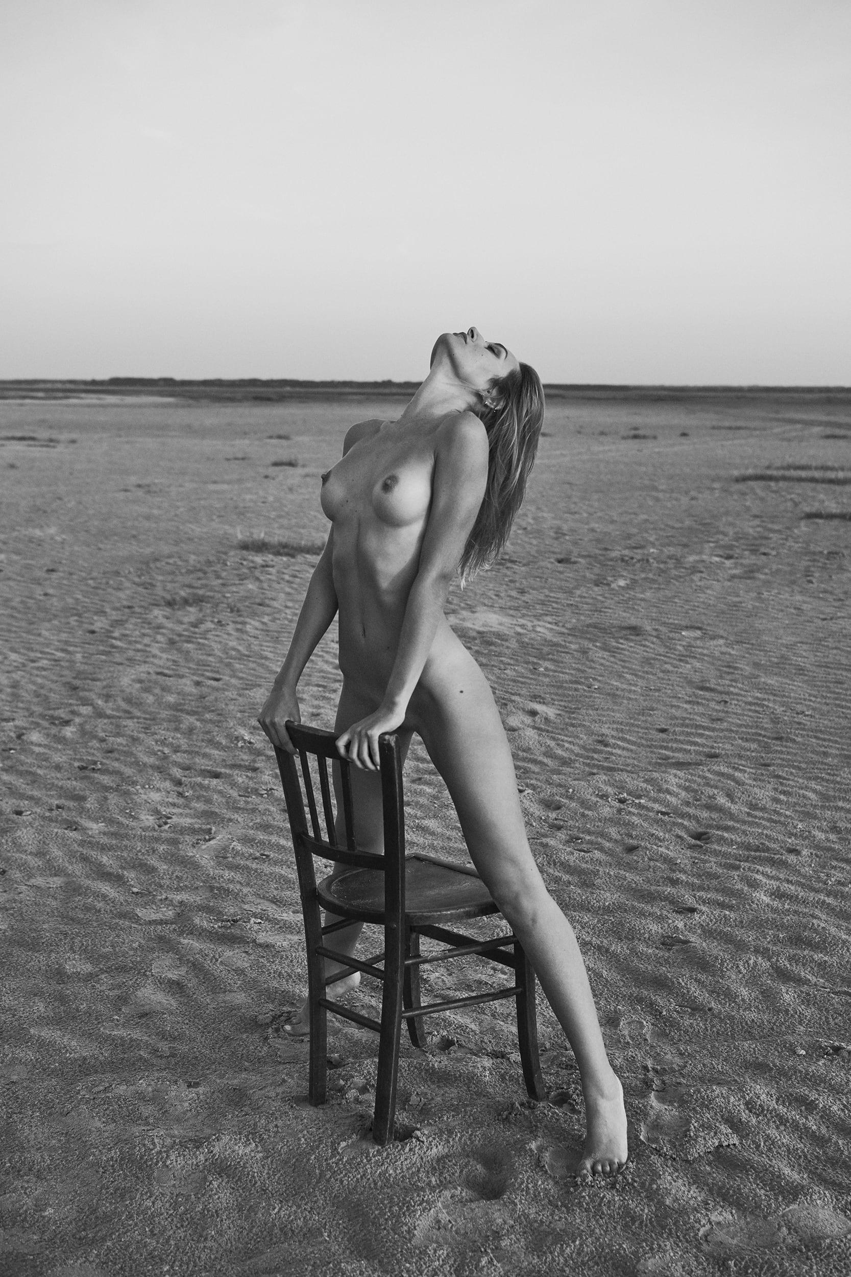 Justine Nikolaiev by Stefan Rappo