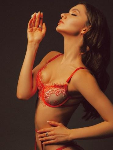 russian-lingerie-model