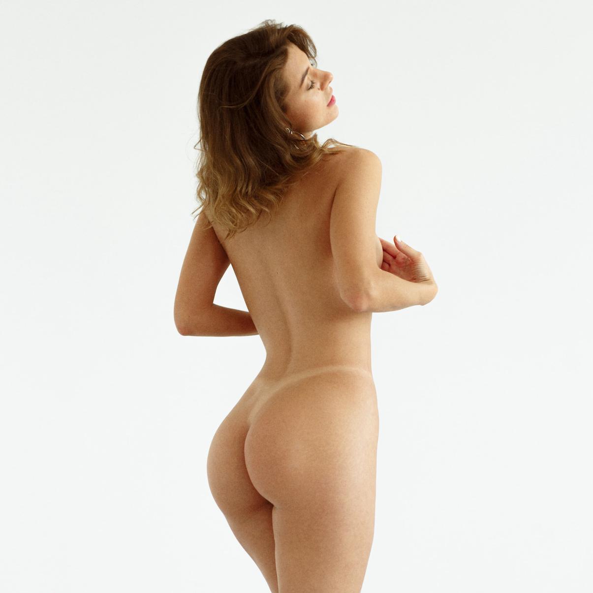 nude-russian-tan-lines