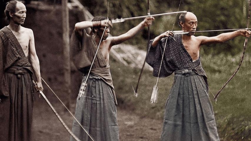 foto storiche ricolorate-arcieri giapponesi