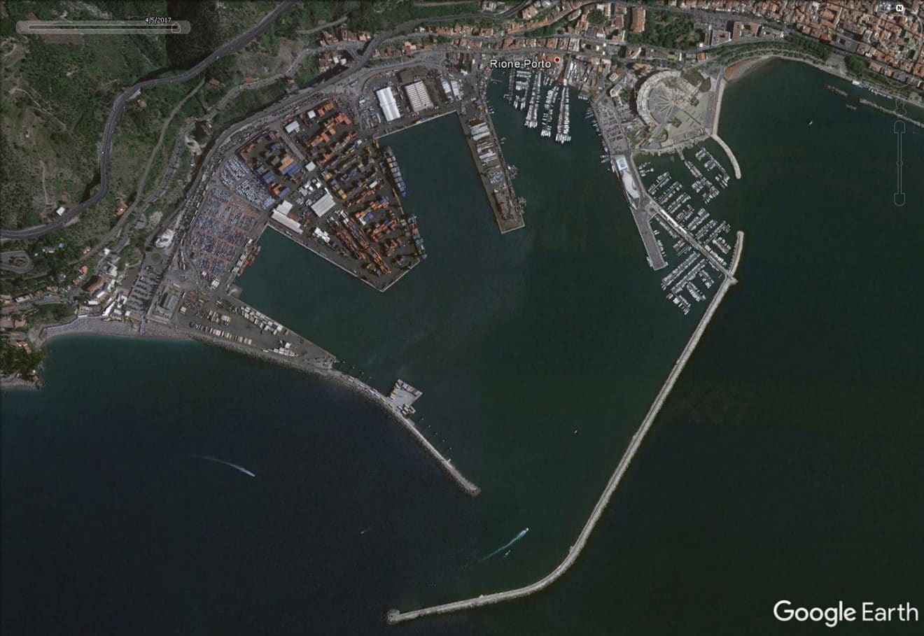 Arpac Monitors Environmental Effects Of Dredging Operations At Salerno Port