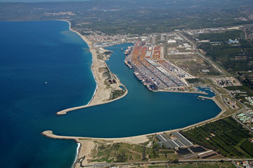 Redevelopment Of Gioia Tauro Port Continues With Crane Removal