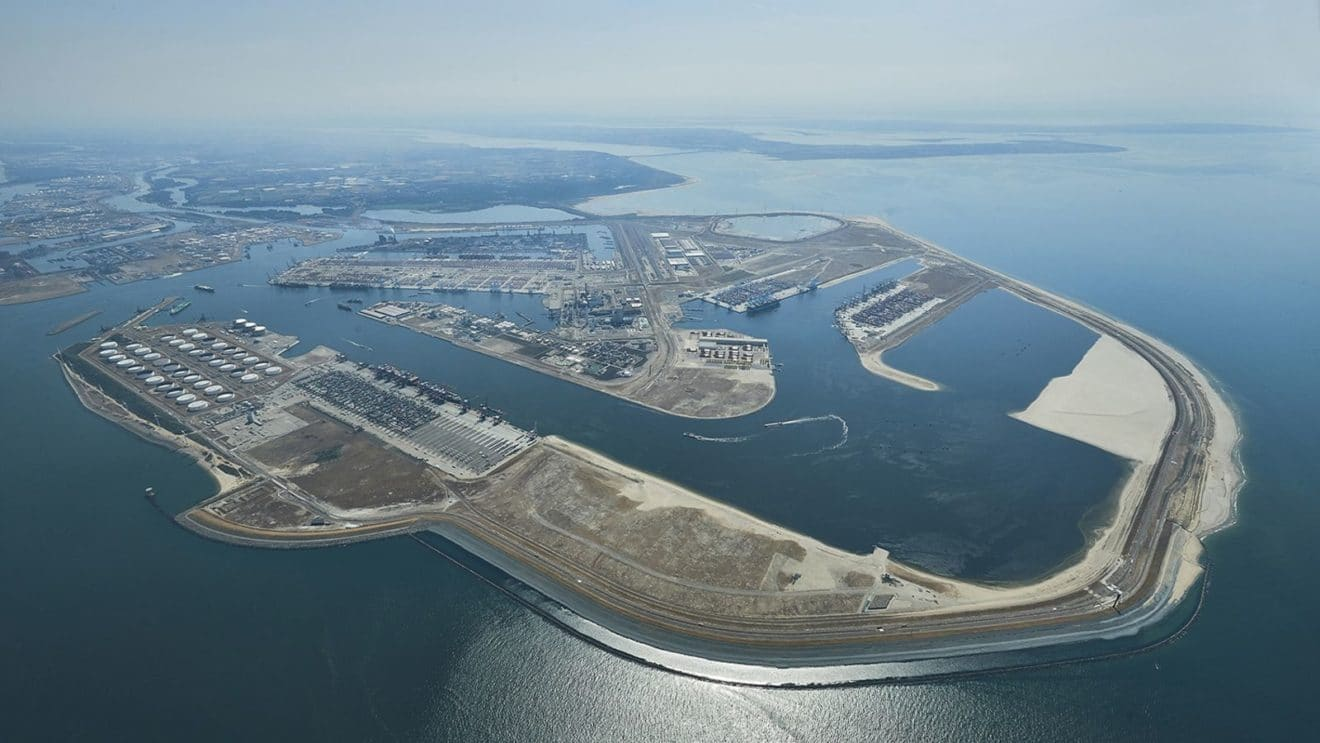 Rotterdam Port Plans Increased Shore-based Power Supply