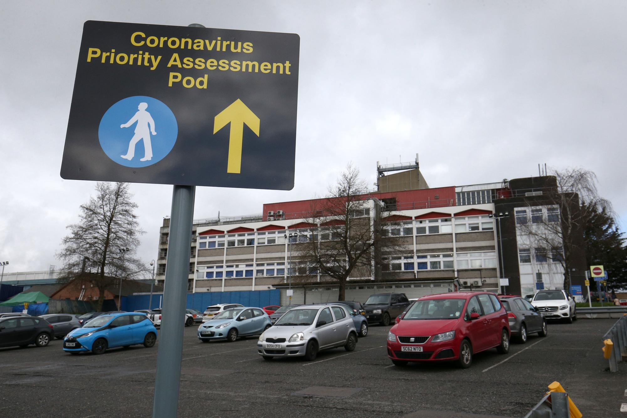 Coronavirus: Death toll in UK rises to 35 as 1,372 test positive ...