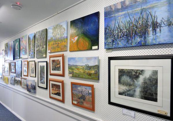 """Port Stephens Arts Centre Exhibit """" Hint Of Colour"""" 2017"""