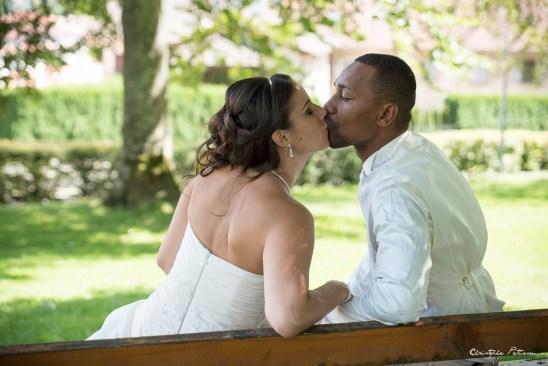 Les amoureux qui s'bécotent sur les bancs publics