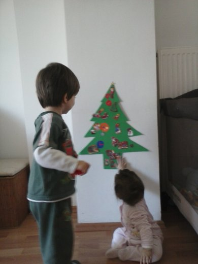 paper felt christmas tree decoration for toddlers