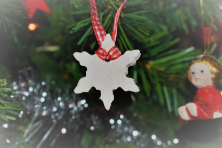 DIY Christmas Ornaments out of homemade white clay (recipe!)