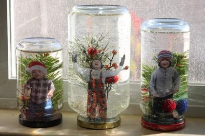 Kids-in-snow-globes-on-window