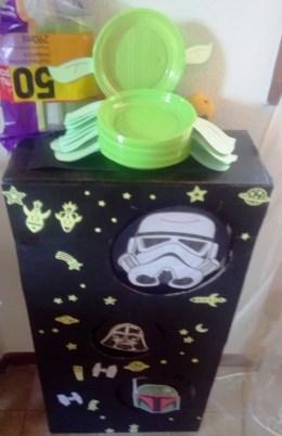 DIY Yoda plates and DIY Star Wars party game