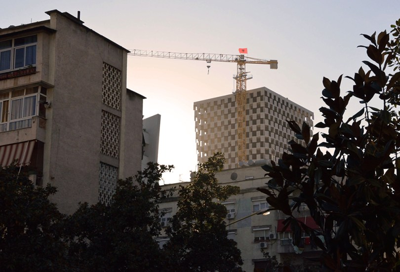 Crane Far
