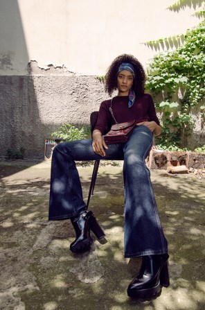 Scarf Liu Jo, Sweater Topshop, jeans JDC vintage 90s, shoes Zara, bag &Other Stories, vinyl Porgy & Bess
