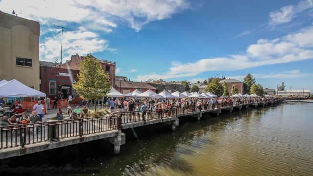 2014 Petaluma Craft Beer Festival: Photo By Wayne Dunbar