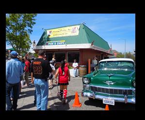 Cruisin Classic Car Cruise in Petaluma