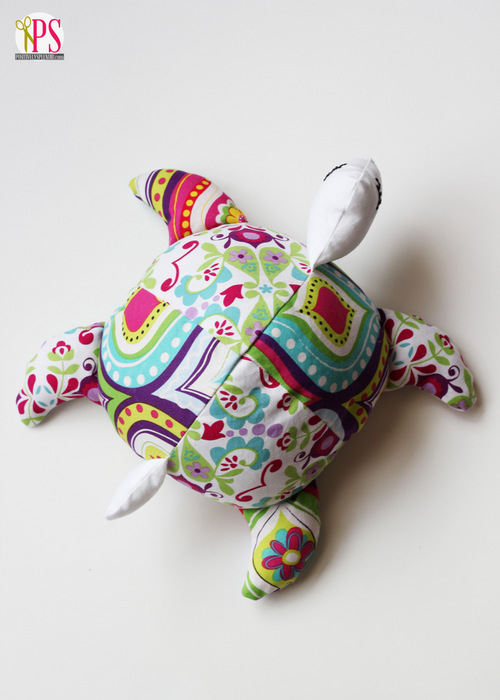Sea Turtle Softie Pattern and Tutorial at PositivelySplendid.com
