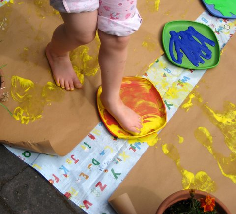 footprint painting kids