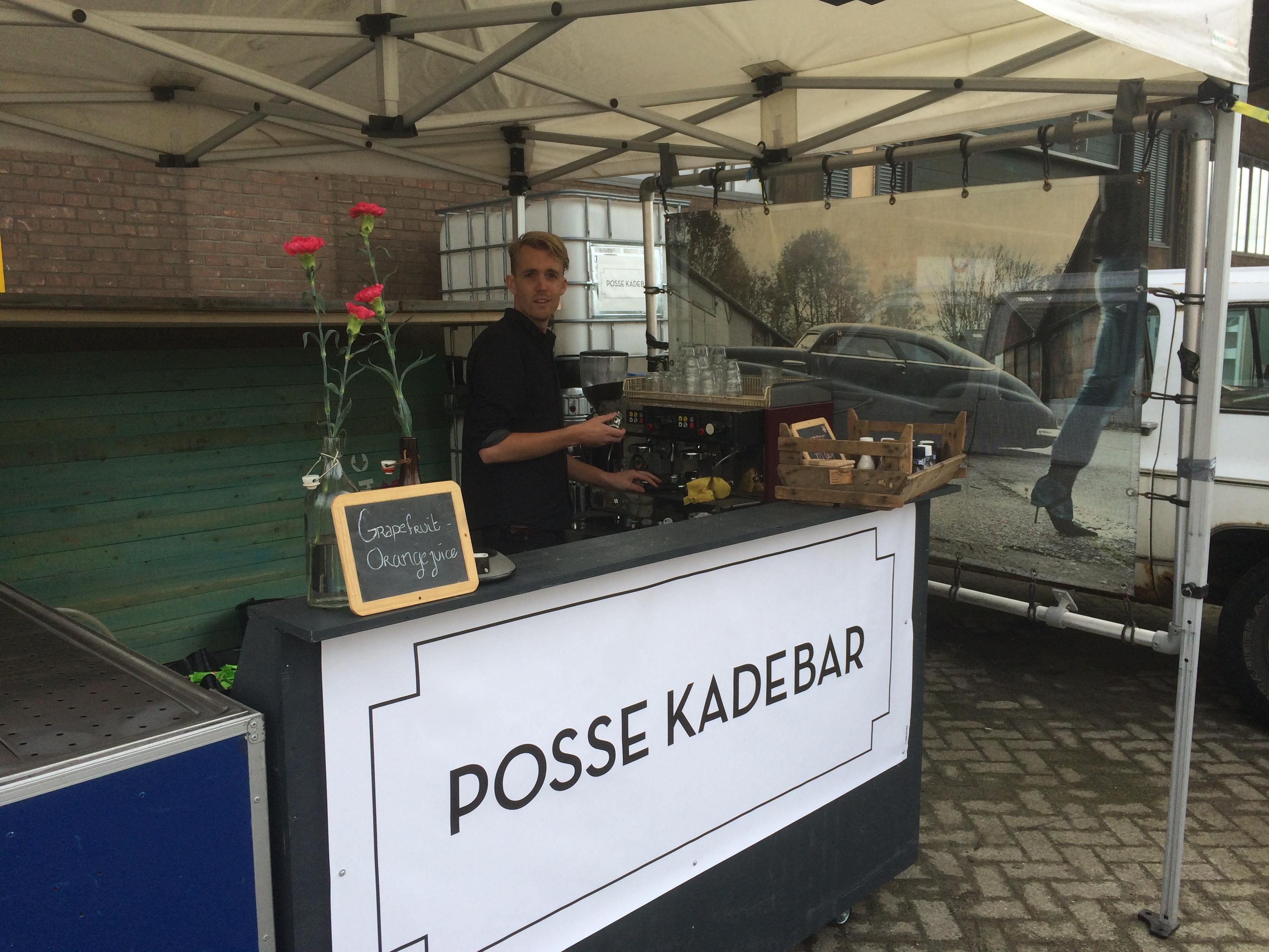 POSSE KADEBAR