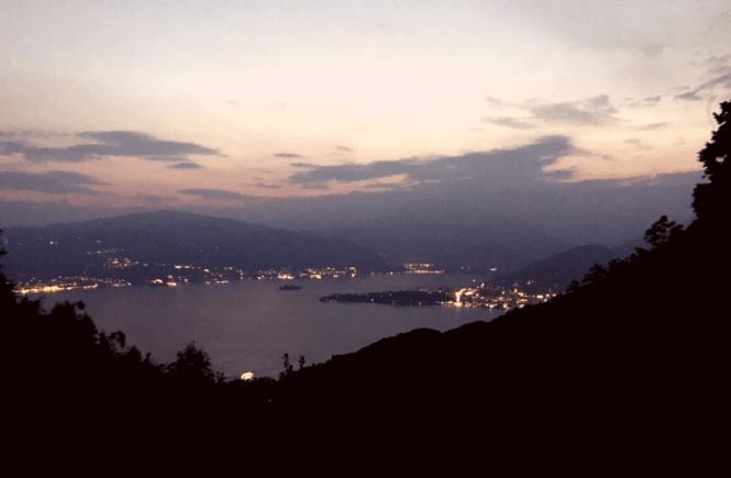 La vista sul lago Maggiore dal balcone del ristorante capanna gigliola
