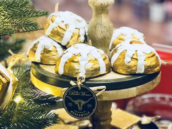 Cinnamon roll ornaments, Pioneer Woman Mercantile, Pawhuska, Oklahoma