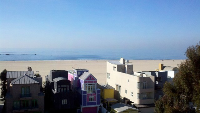 Santa Monica and the Pacific Ocean - Nicole Travels: Los Angeles