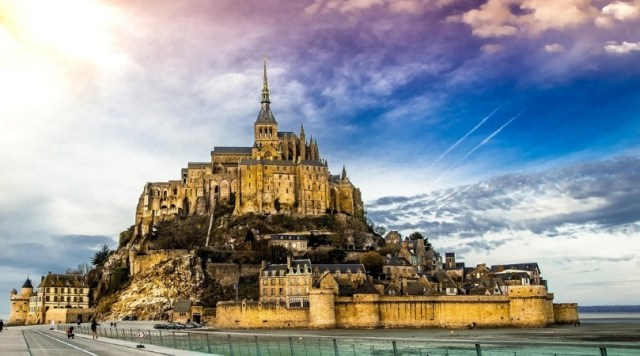 Daytime image of Mont Saint Michel, France