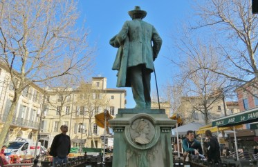 Place du Forum and statue of Mistral