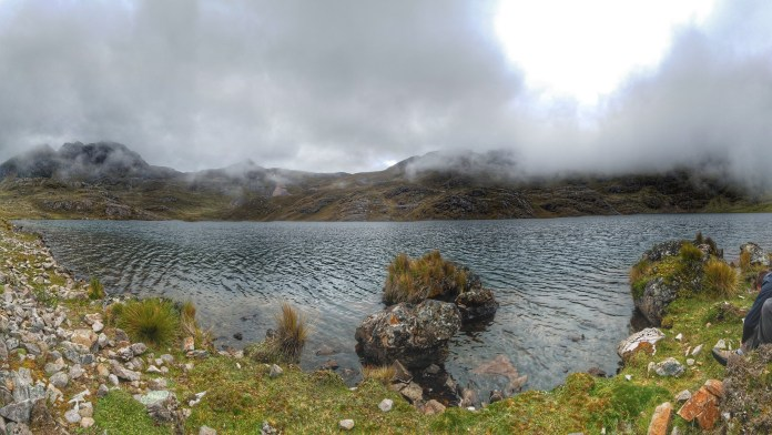 unnmaed lake on Lares Trek