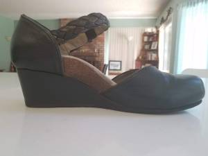 orthotic dress shoe