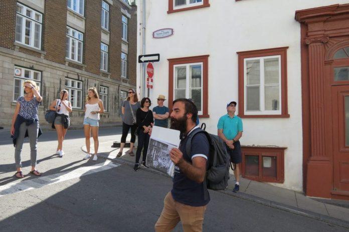 weekend city break walking tour