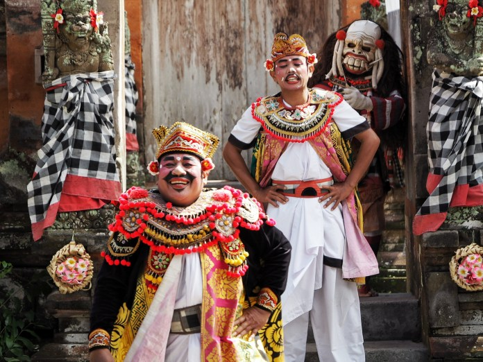How To To See Balinese Culture Tradition And Beauty Of Nature In One Day In Ubud Postcardsfromtheworld Com
