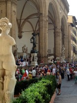 Piazzi di Signoria is a magnet for tourists