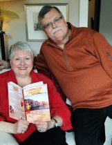 Review Phyllis & Joe Selfie