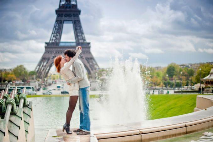 Paris_yperoxa-taksidiwtika-klise-pou-prepei-na-ziseis