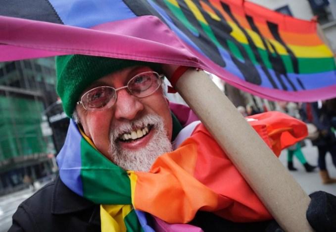 gilbert-baker-designs-rainbow-flag