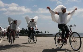 Οι ποδηλάτες του Αιόλου σκορπούν χαρά στις πόλεις
