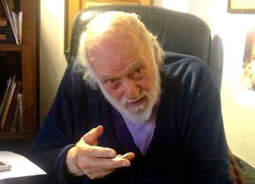 Νάνος Βαλαωρίτης: Η ζωή μας είναι σύντομη, μοναδική και τραγική